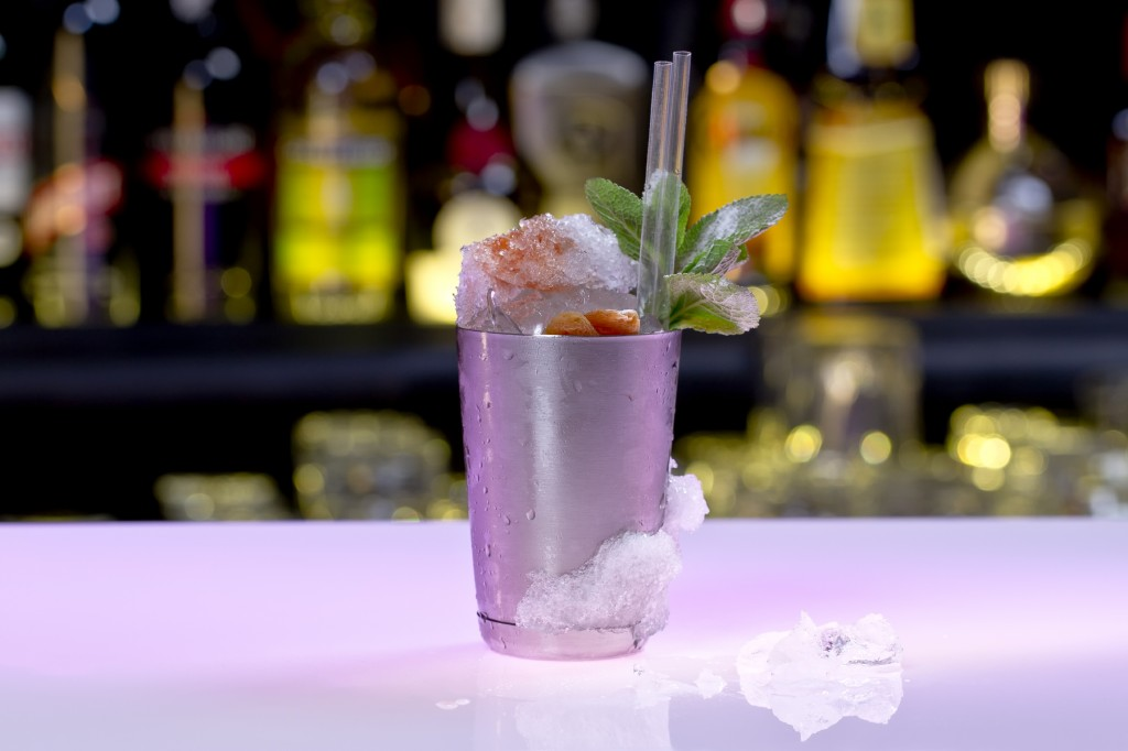 How to make a handsome summer cocktail?