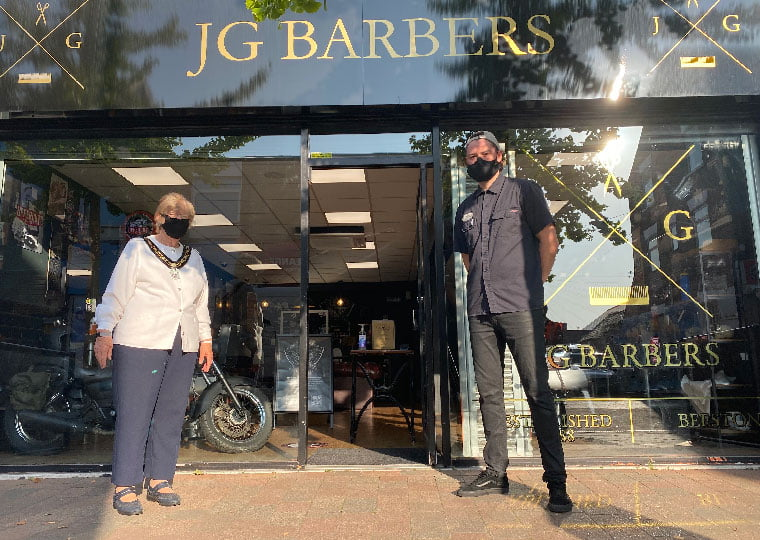 The Mayor drops into JG Barbers in Nottinghamshire