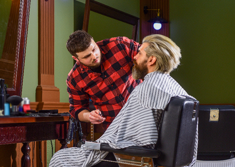 3 ways to maximise your barbershop revenue over summer